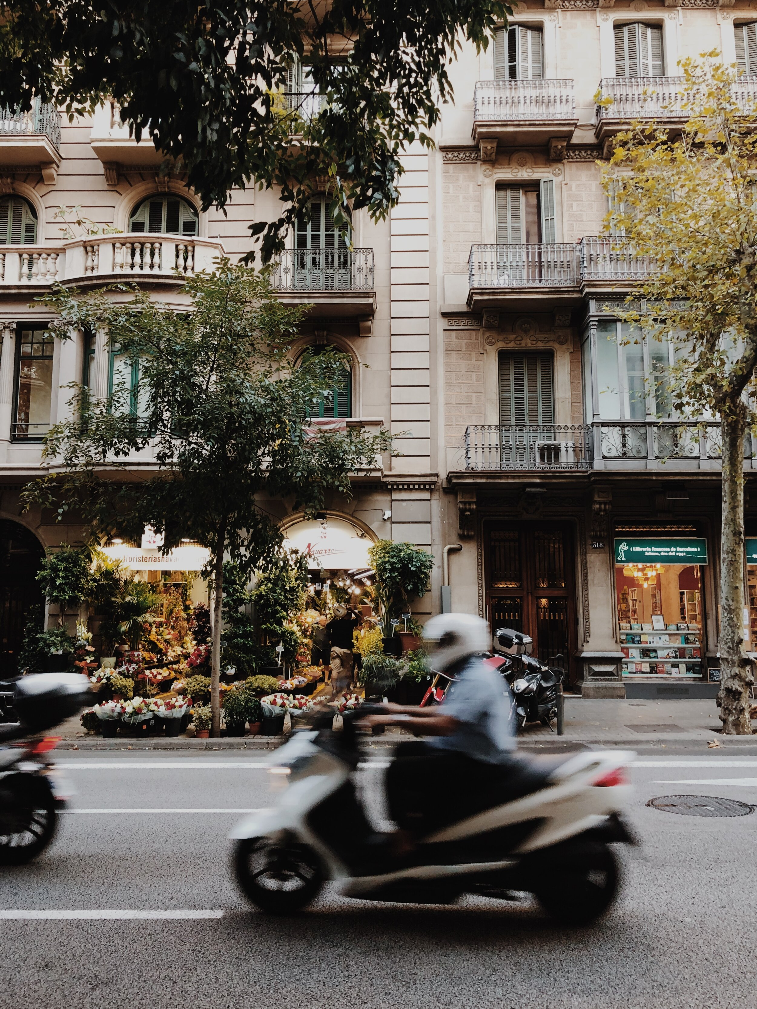 If I lived in Barcelona, I would 100% get a scooter.