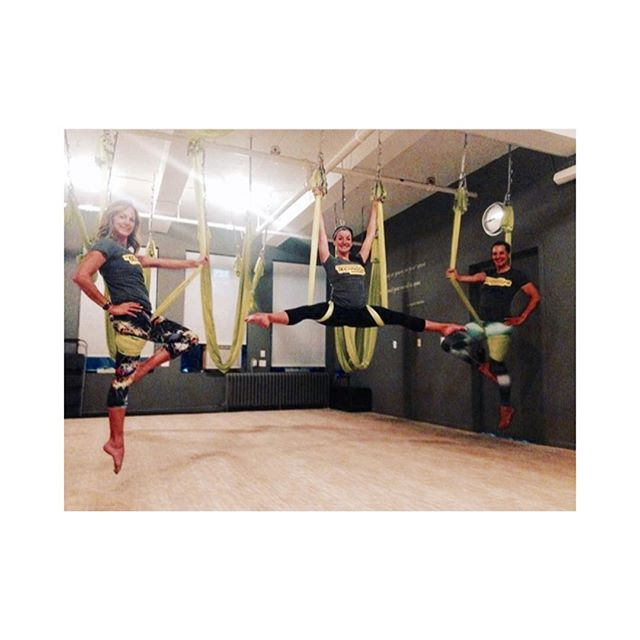 #TGIF! 😆 !  #Photooftheday goes to @jenngreenstudiok ! Awesome photo! 😎💥 #antigravity #fitness #antigravityfitness #aerialyoga #health #wellness #body #spirit