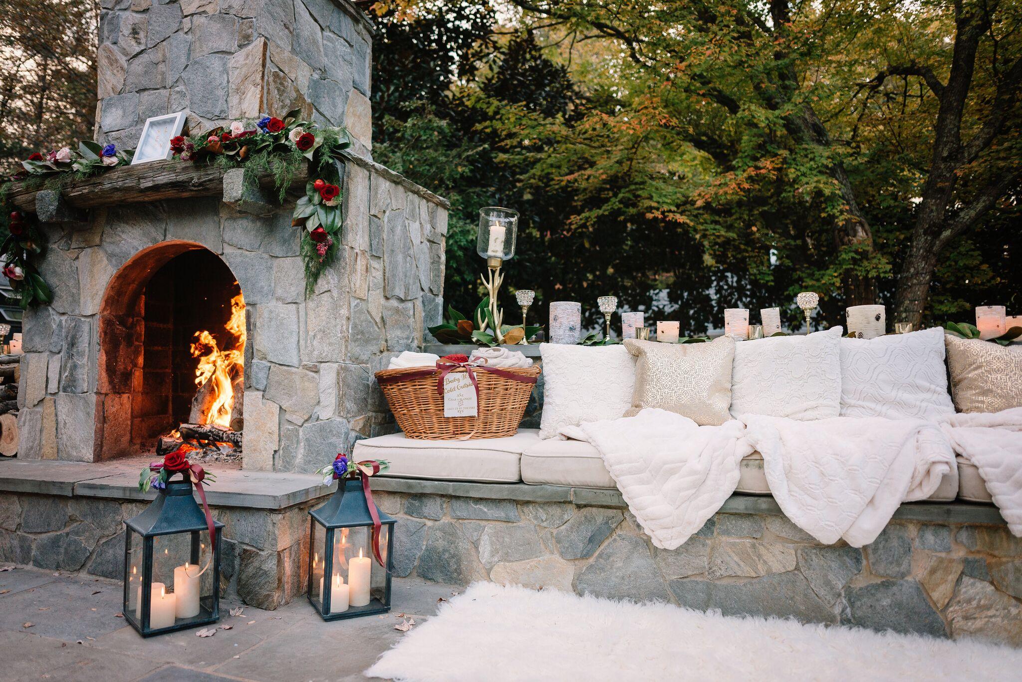 Winter wedding, lanterns, fur