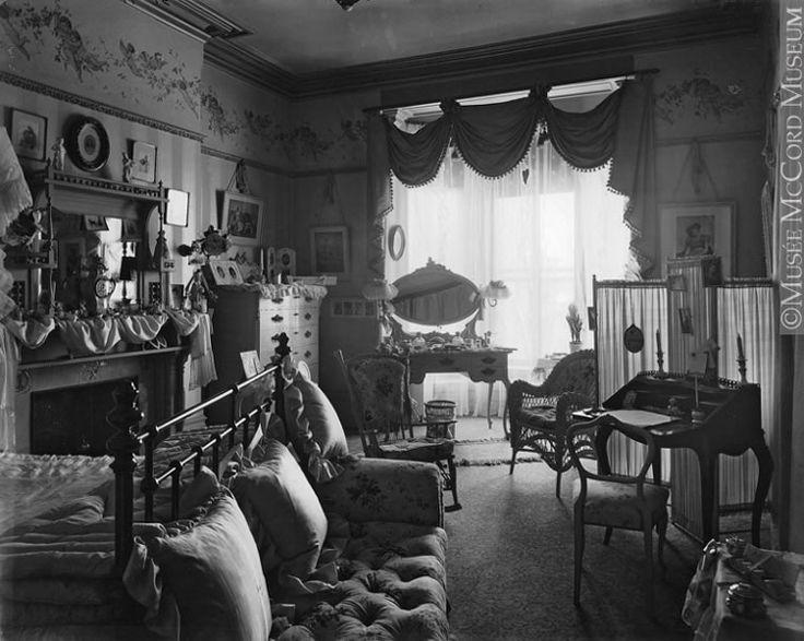 Victorian-Houses-Poor-Interior.jpg