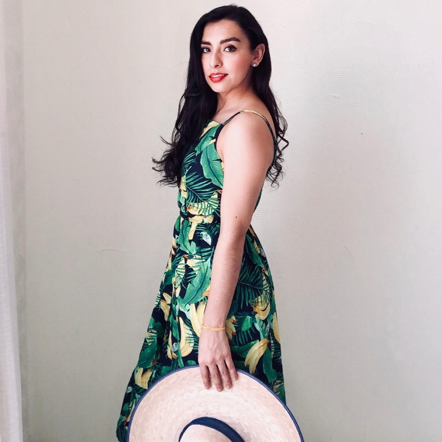 Vestido: Old Navy, Sombrero: artesanía mexicana