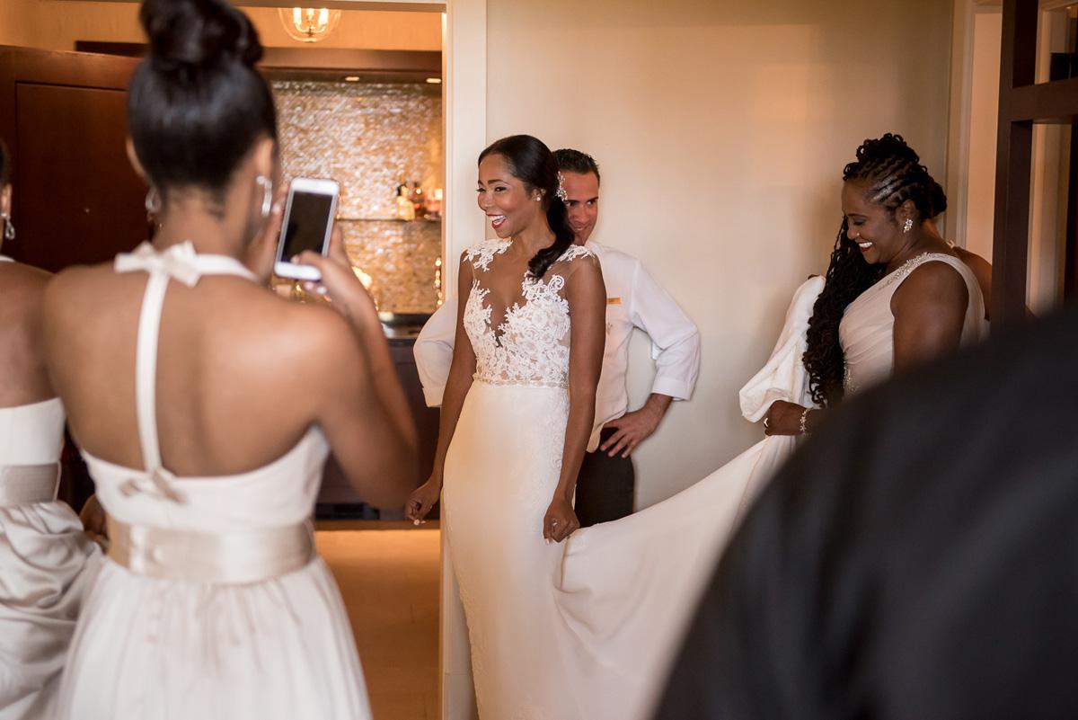 Wedding-in-St-Regis-Hotel,-Courtney-&-Less-0038.jpg
