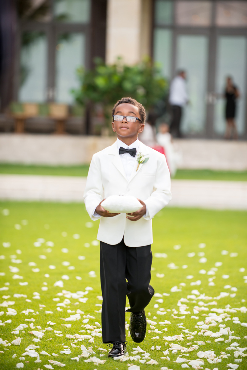 Wedding-in-St-Regis-Hotel,-Courtney-&-Less-0073.jpg