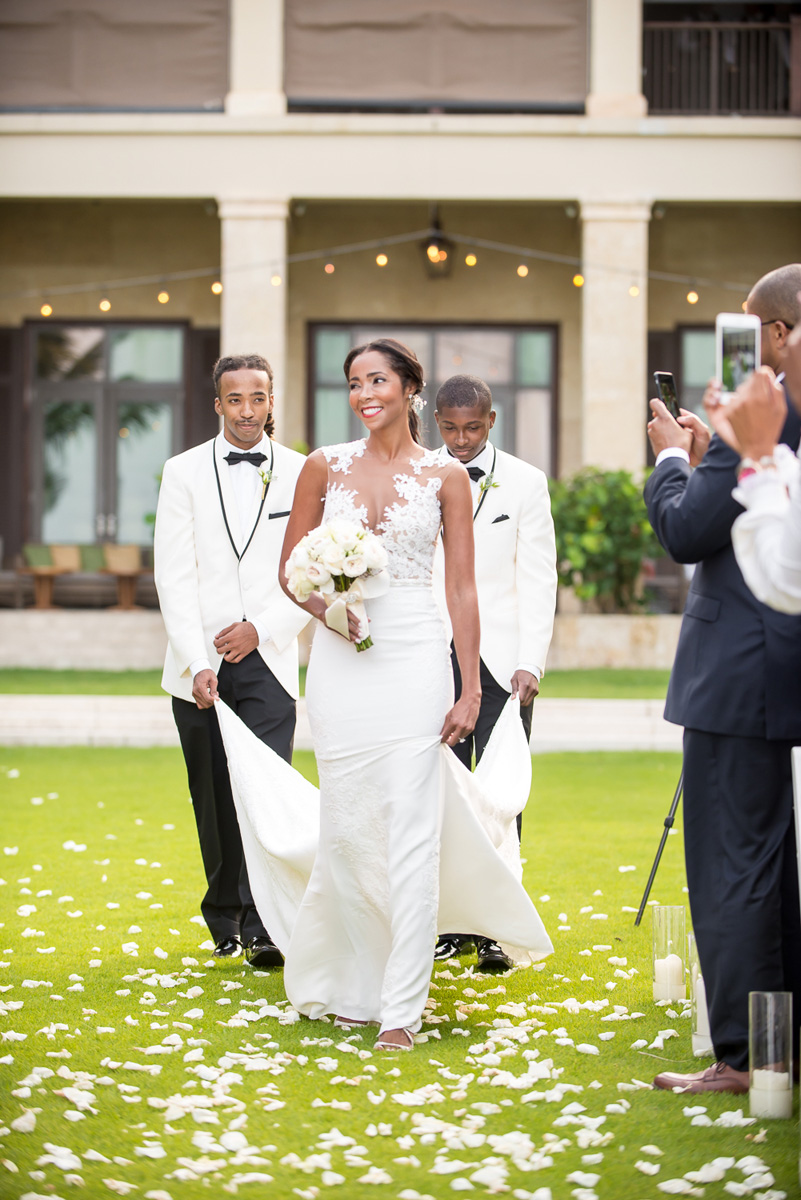 Wedding-in-St-Regis-Hotel,-Courtney-&-Less-0077.jpg
