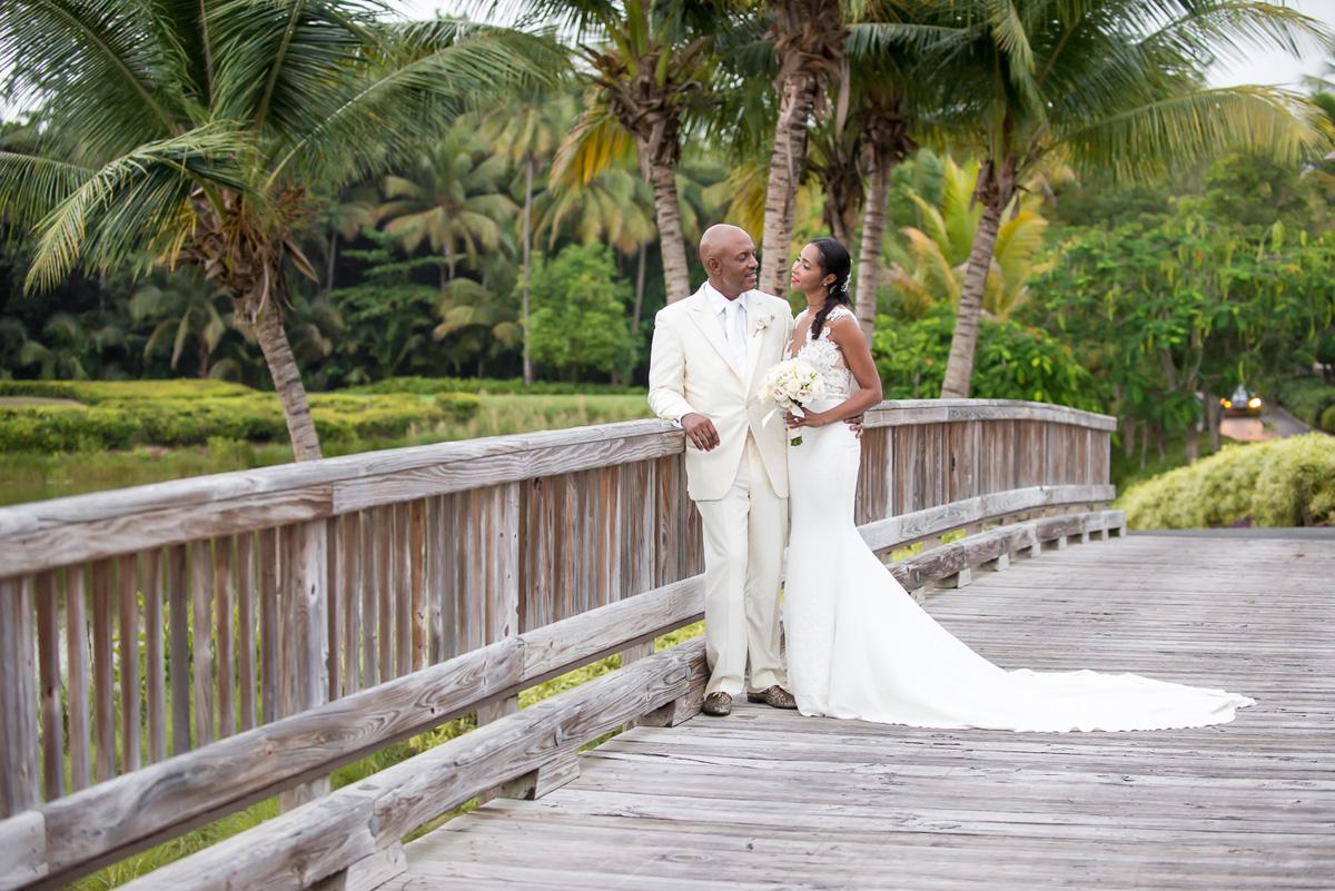 Wedding-in-St-Regis-Hotel,-Courtney-&-Less-0106.jpg