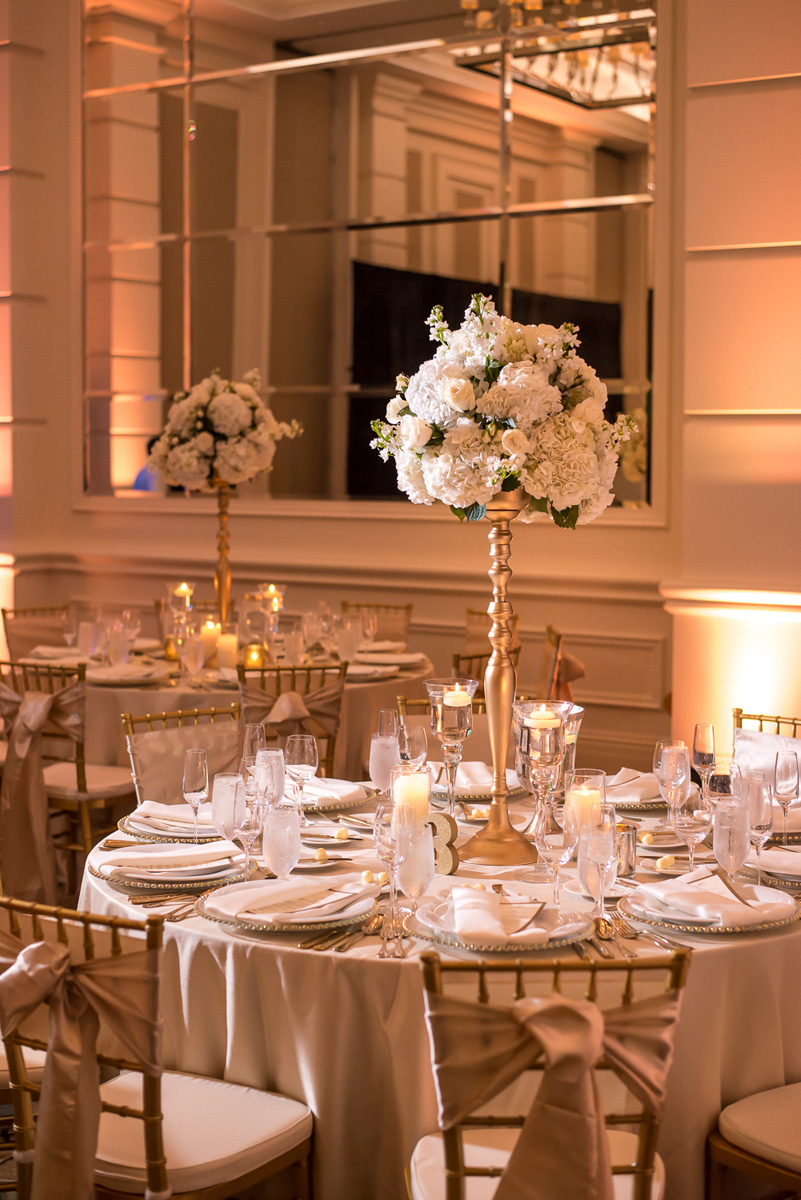 Wedding-in-St-Regis-Hotel,-Courtney-&-Less-0111.jpg