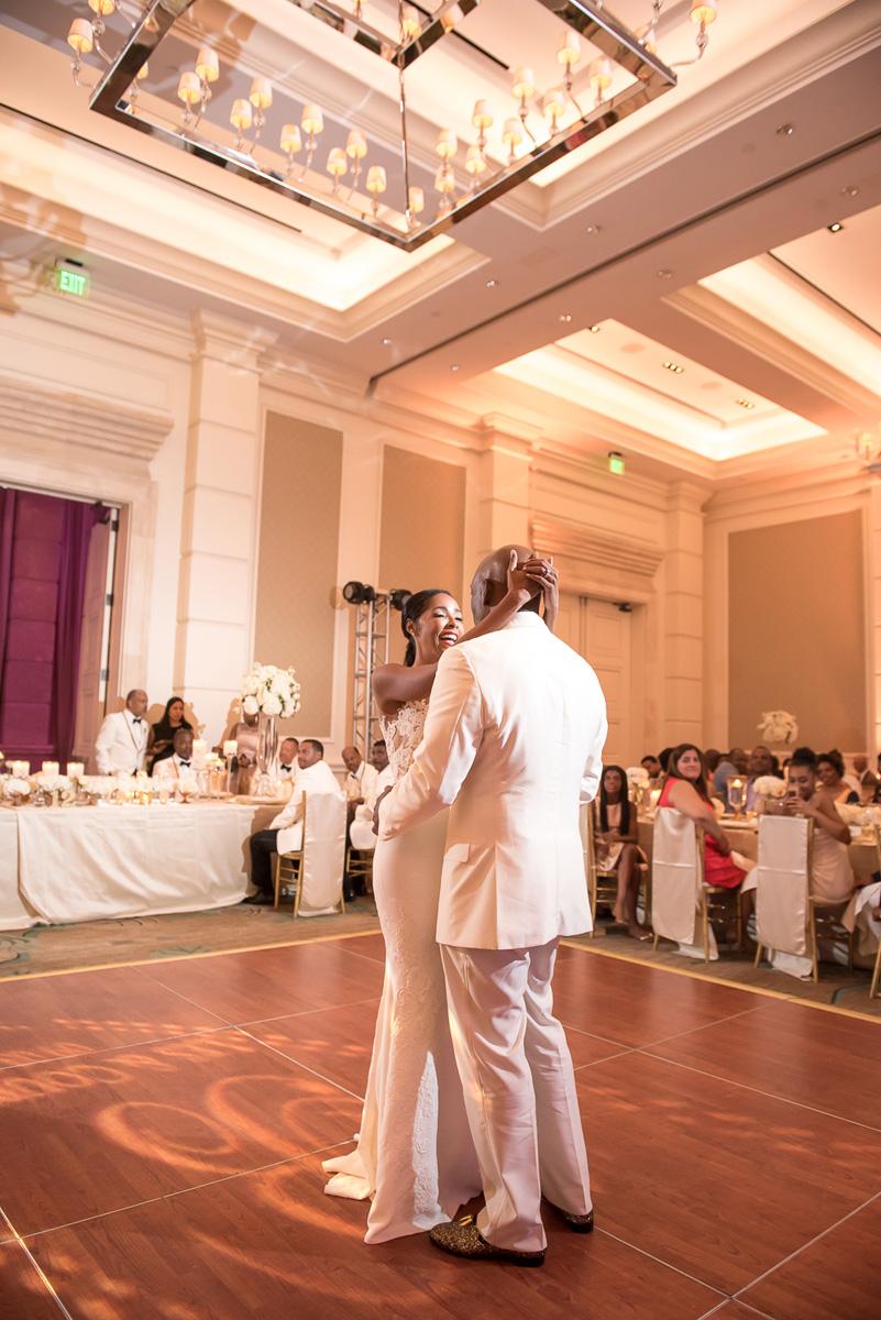 Wedding-in-St-Regis-Hotel,-Courtney-&-Less-0137.jpg