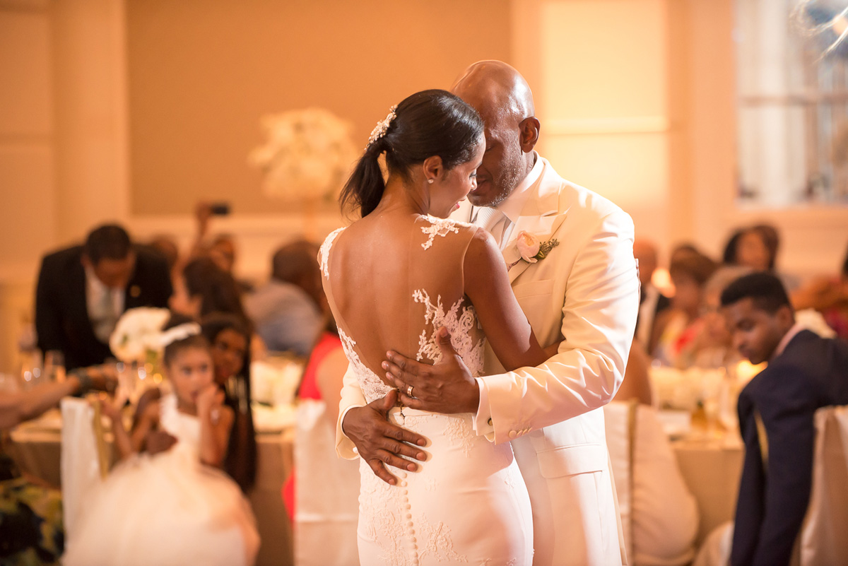 Wedding-in-St-Regis-Hotel,-Courtney-&-Less-0142.jpg