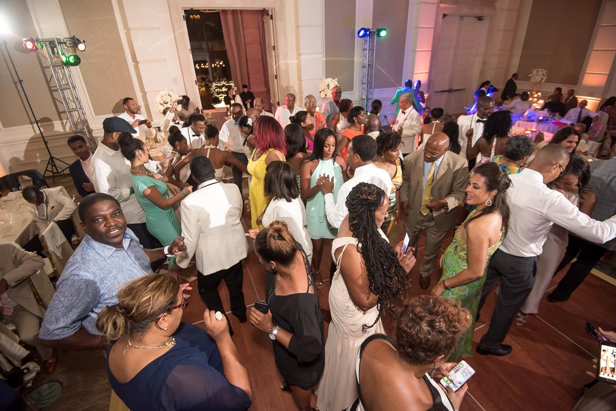 Wedding-in-St-Regis-Hotel,-Courtney-&-Less-0150.jpg