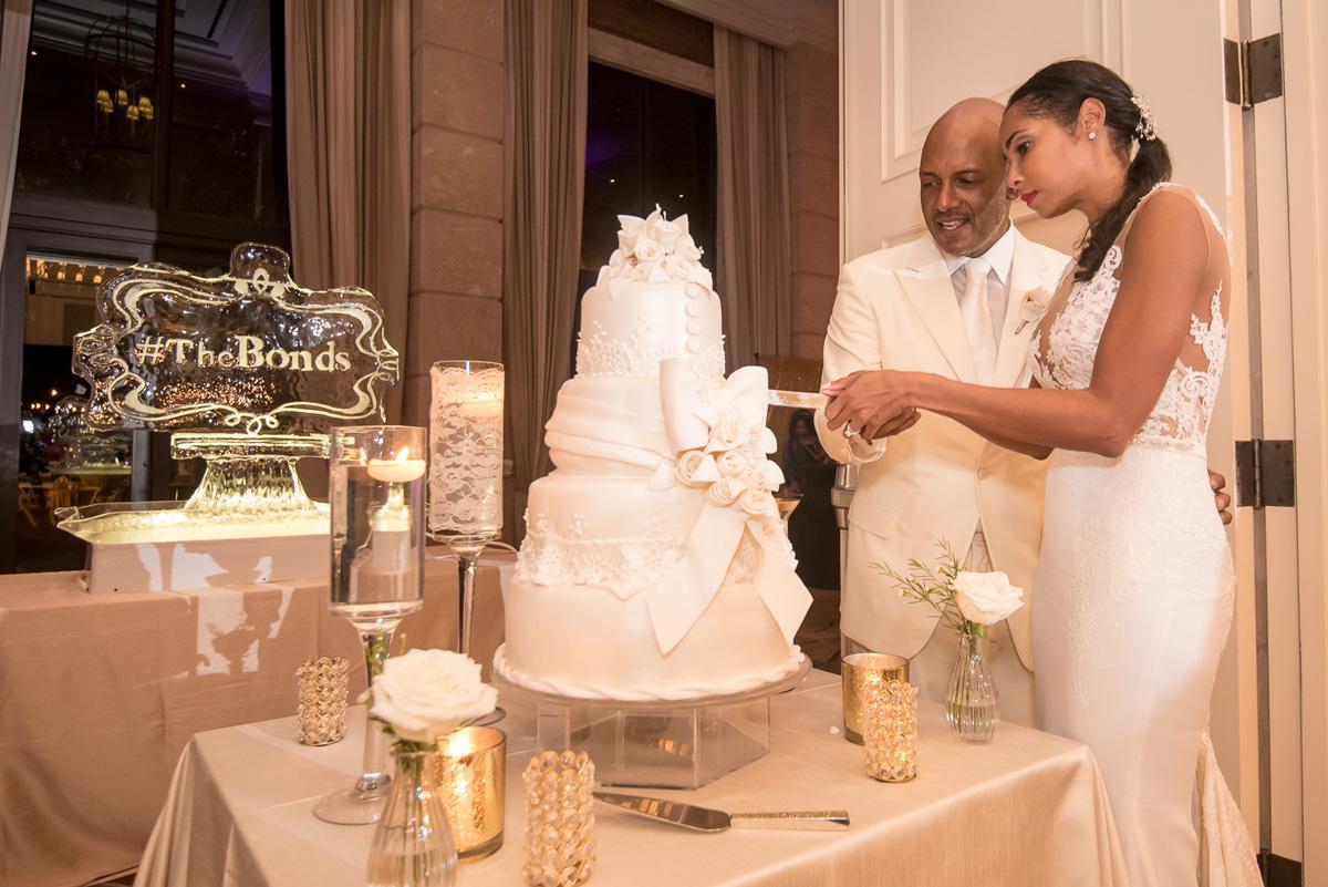 Wedding-in-St-Regis-Hotel,-Courtney-&-Less-0180.jpg