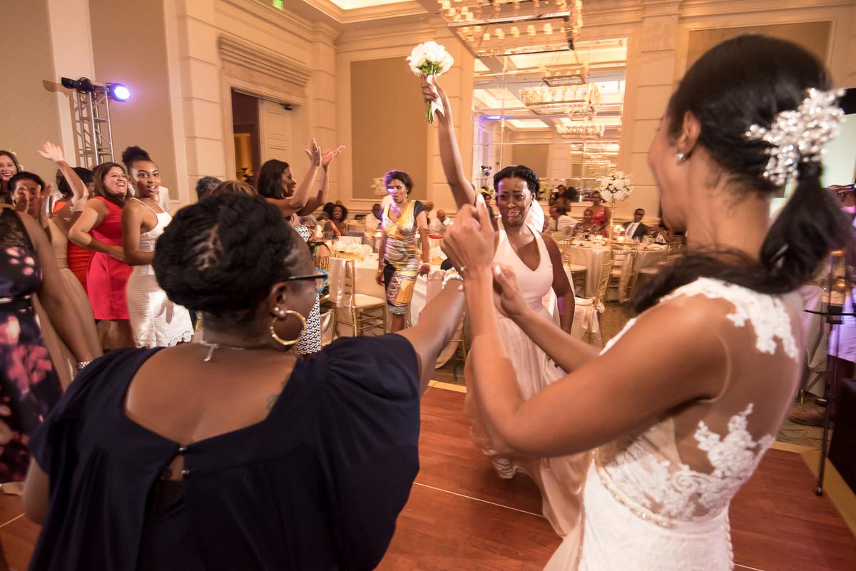 Wedding-in-St-Regis-Hotel,-Courtney-&-Less-0183.jpg