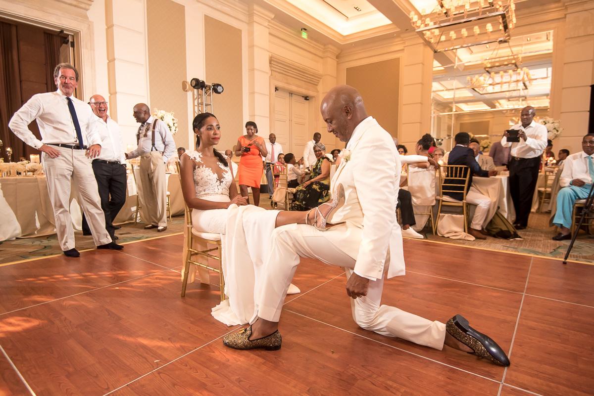 Wedding-in-St-Regis-Hotel,-Courtney-&-Less-0185.jpg