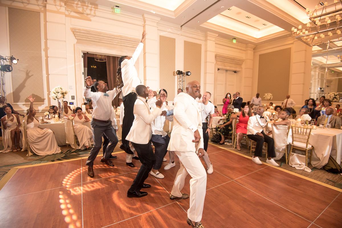 Wedding-in-St-Regis-Hotel,-Courtney-&-Less-0188.jpg