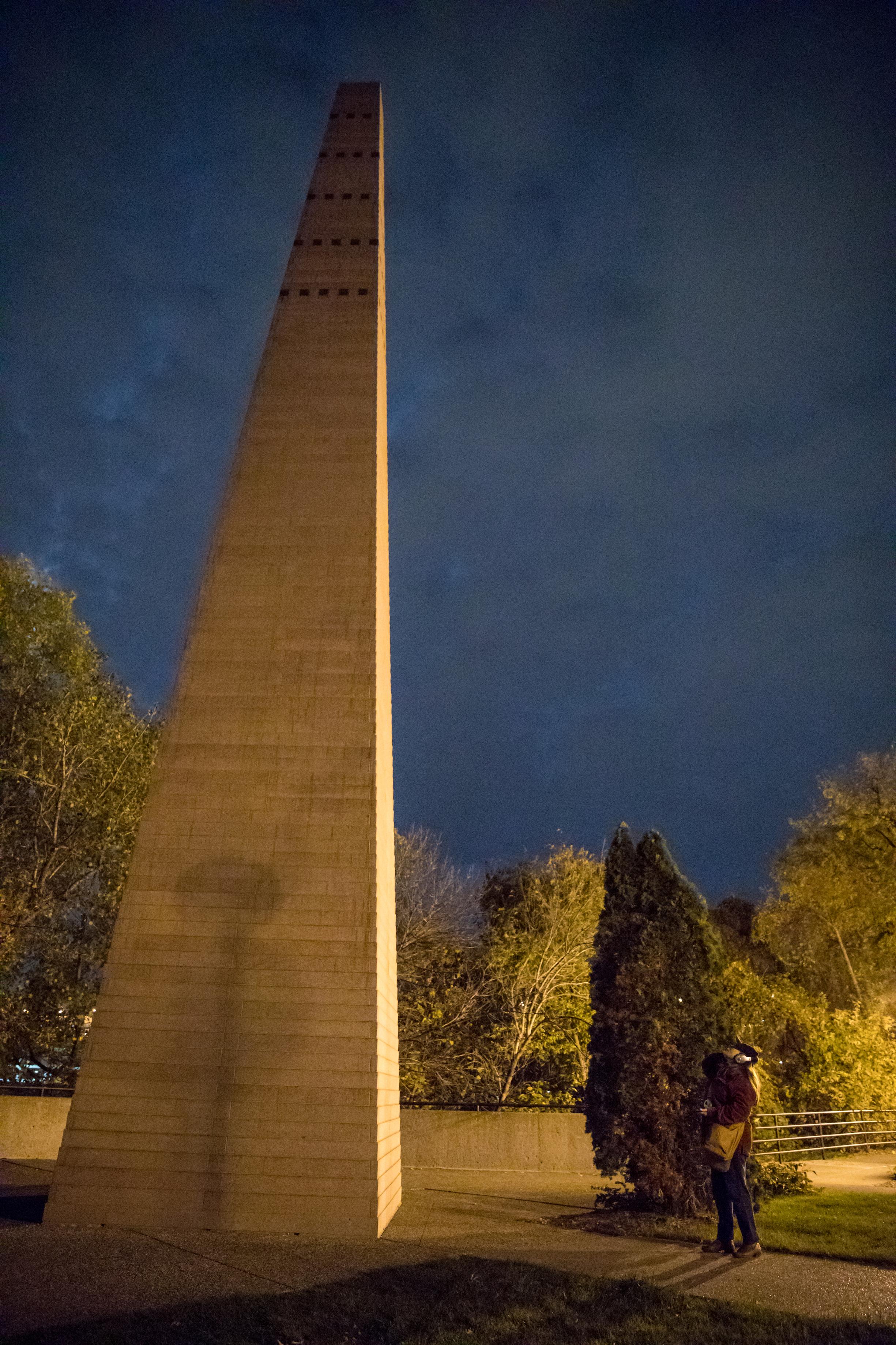 Obelisk at night.jpg