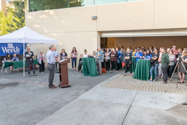 Palo Alto Weekly's Annual Reception Welcomes Donors and Recipients -