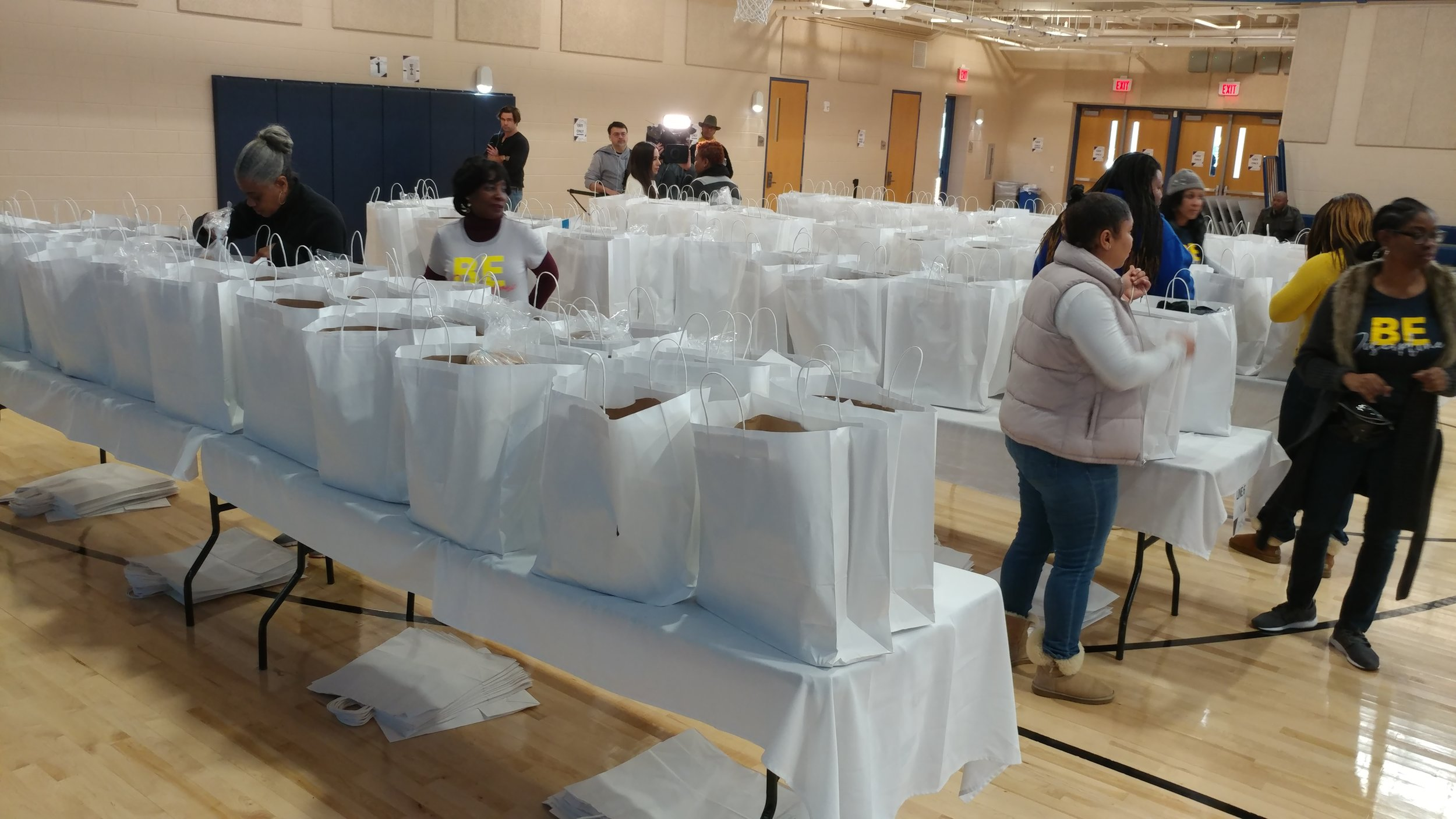 Ready to give groceries to 3,000 families at the First Baptist Church of Glenarden Family Life Center in Upper Marlboro. PHOTO: RAOUL DENNIS // PRINCE GEORGE'S SUITE MAGAZINE & MEDIA