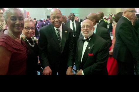Cummings+w+Dula+and+others+at+Inaugural.jpg