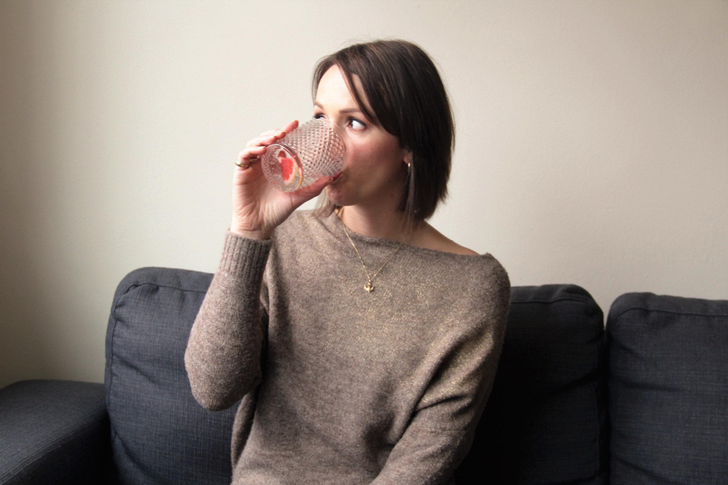 me-drinking-gin.jpg