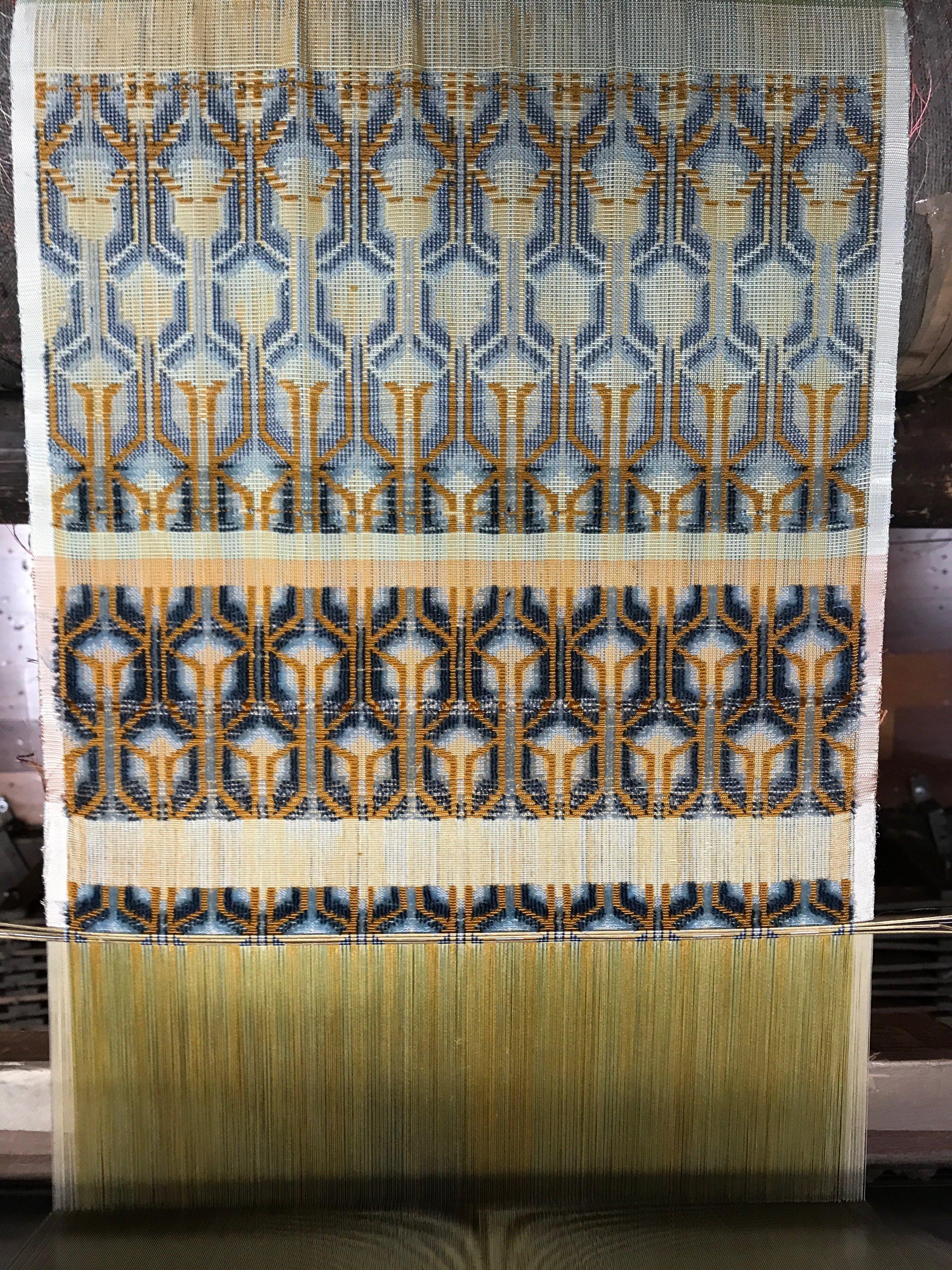 Progress in weaving a cisele velvet
