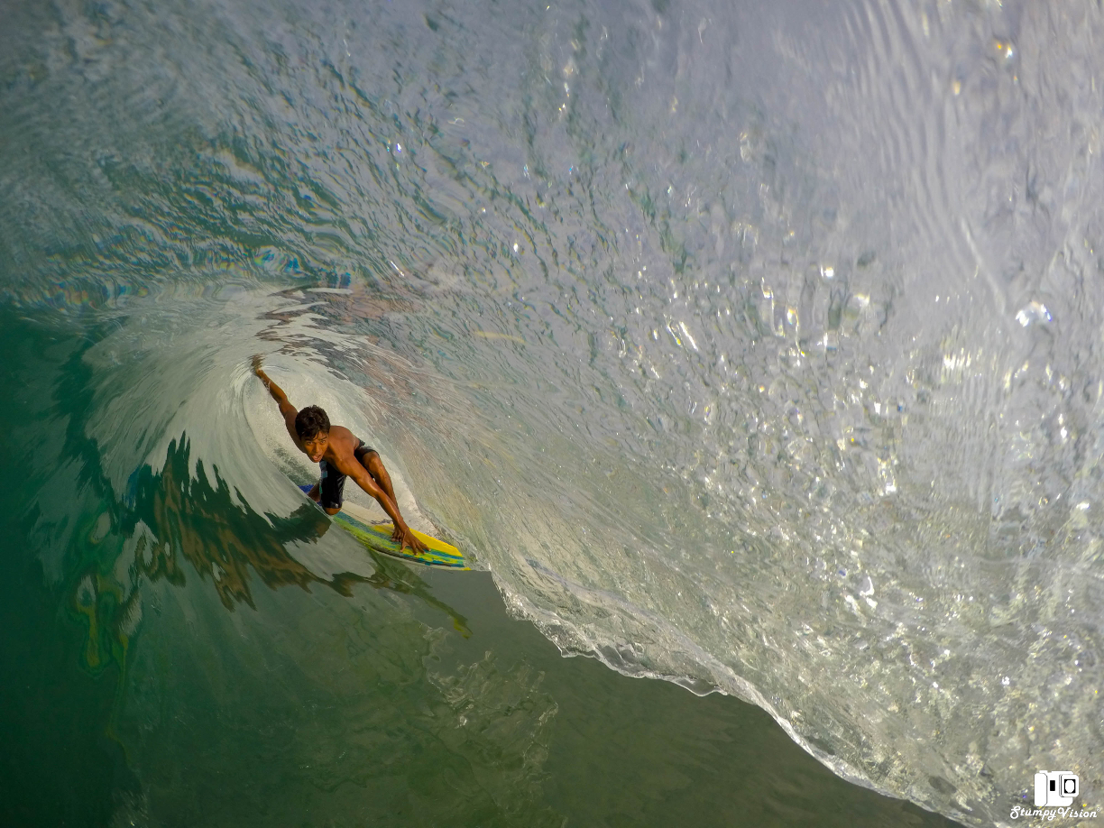 A classic small day at Mex Pipe. Unknown local gets shacked.