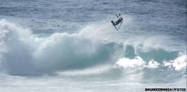 Thiago flying high, photo by Bruno Correia.