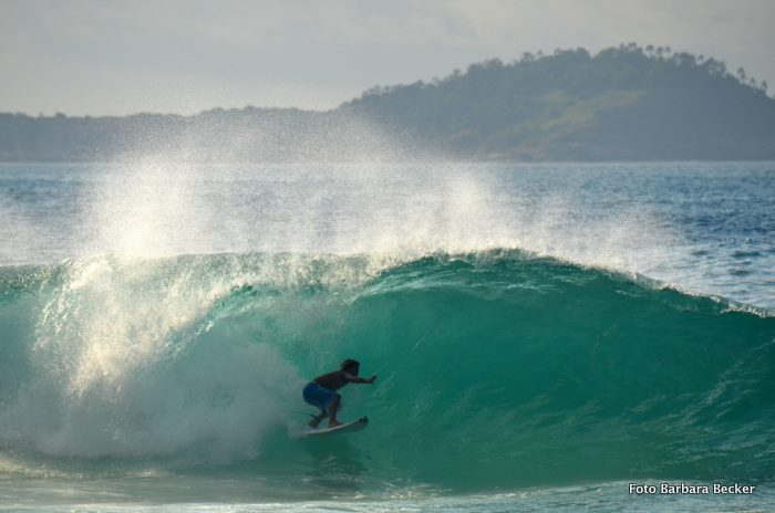 Gabriel rips regardless of the surfing craft, photo by Barbara Becker.