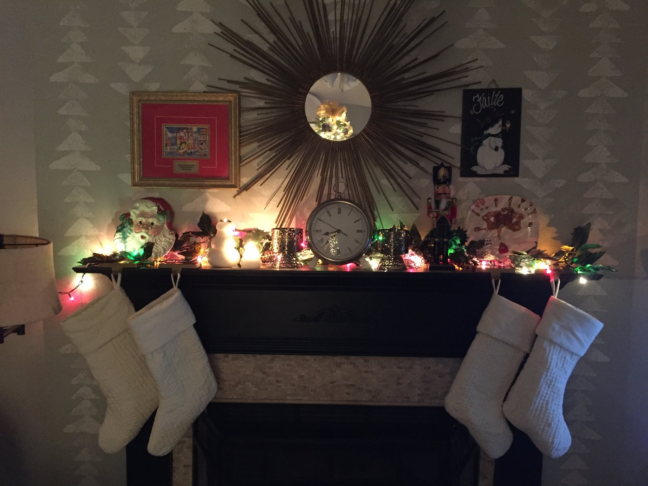 holiday mantel.JPG