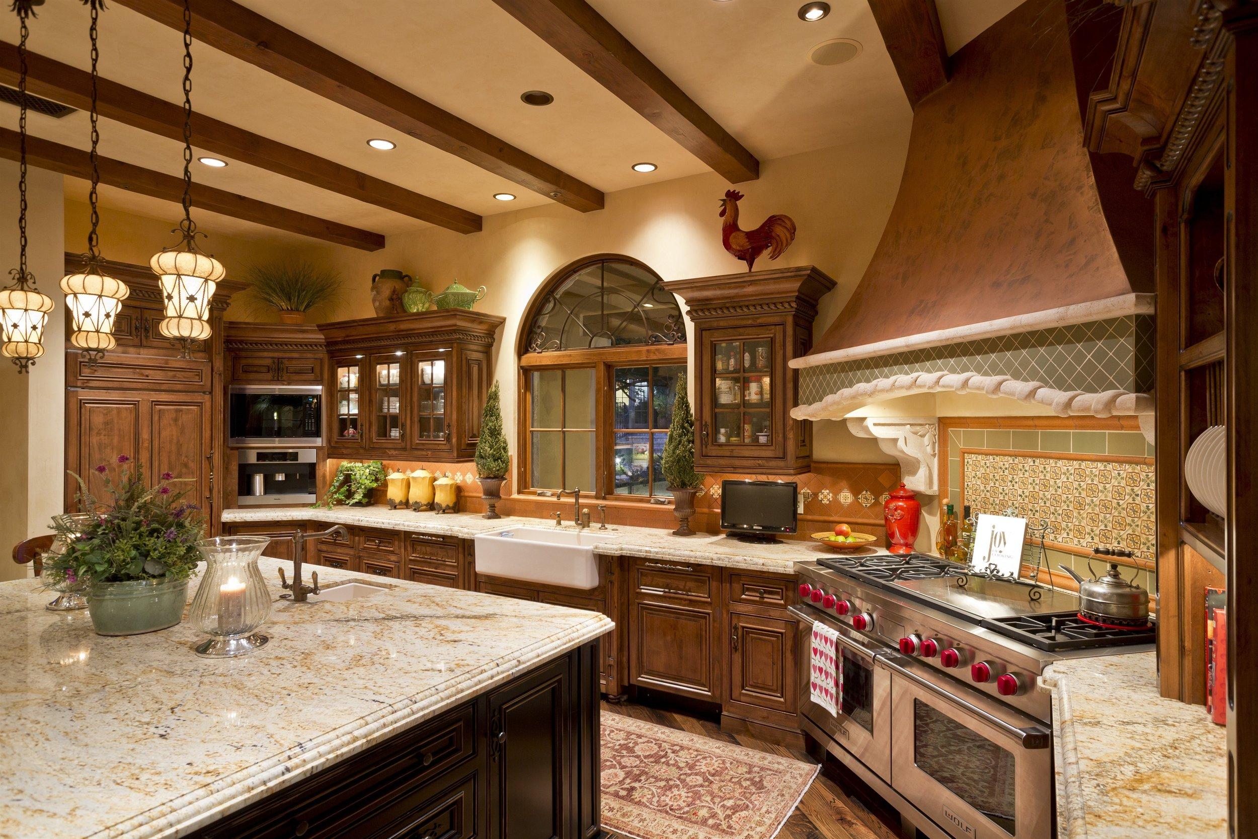 009_Kitchen.jpg