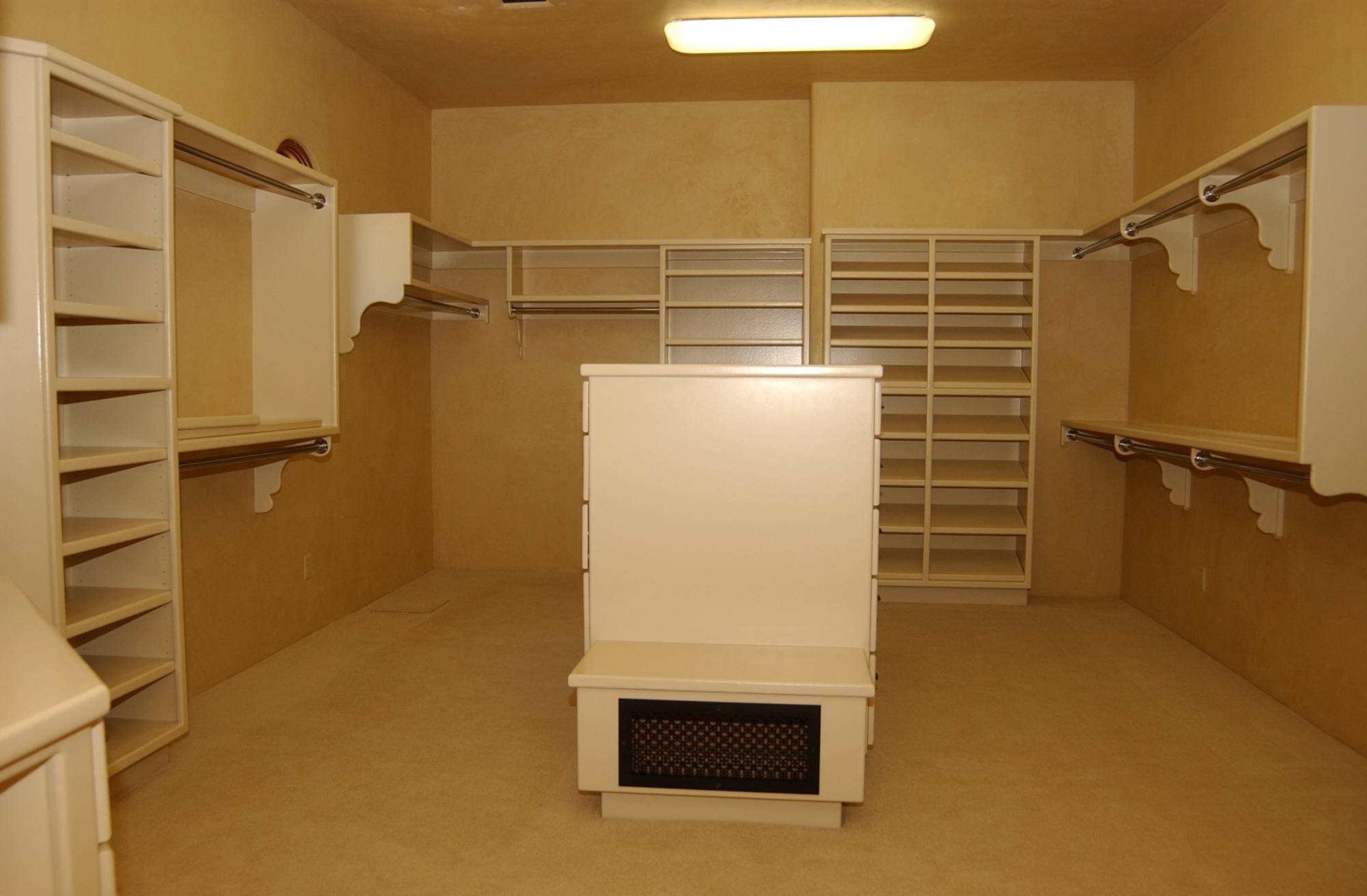 closet91.JPG