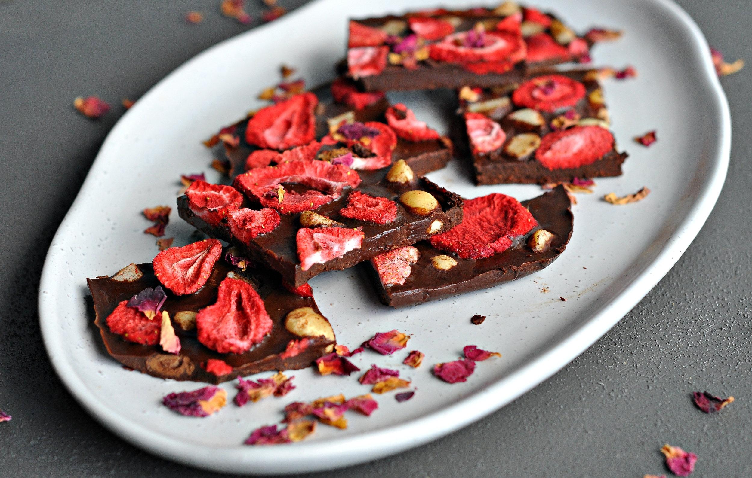 Strawberry and Cinnamon Macadamia Chocolate3.jpg