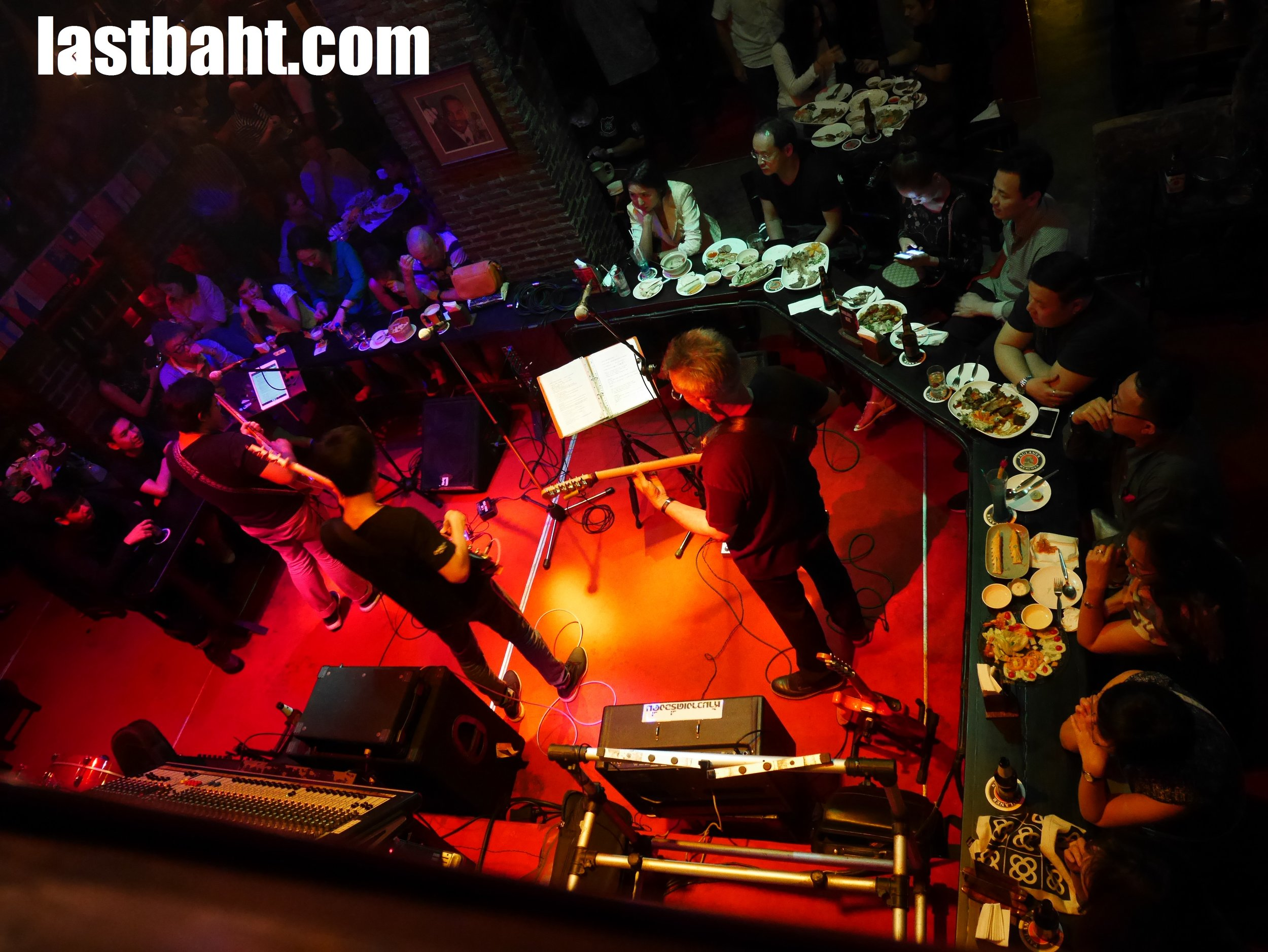 live music every night at Saxophone, Victory Monument, Bangkok