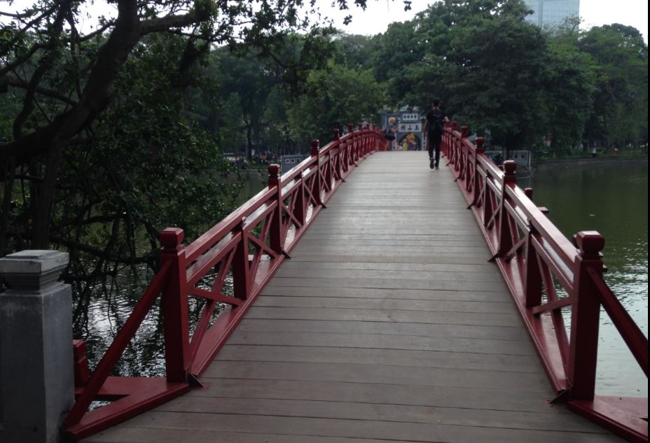 """the famous """"Morning Sunlight Bridge"""" to the temple"""