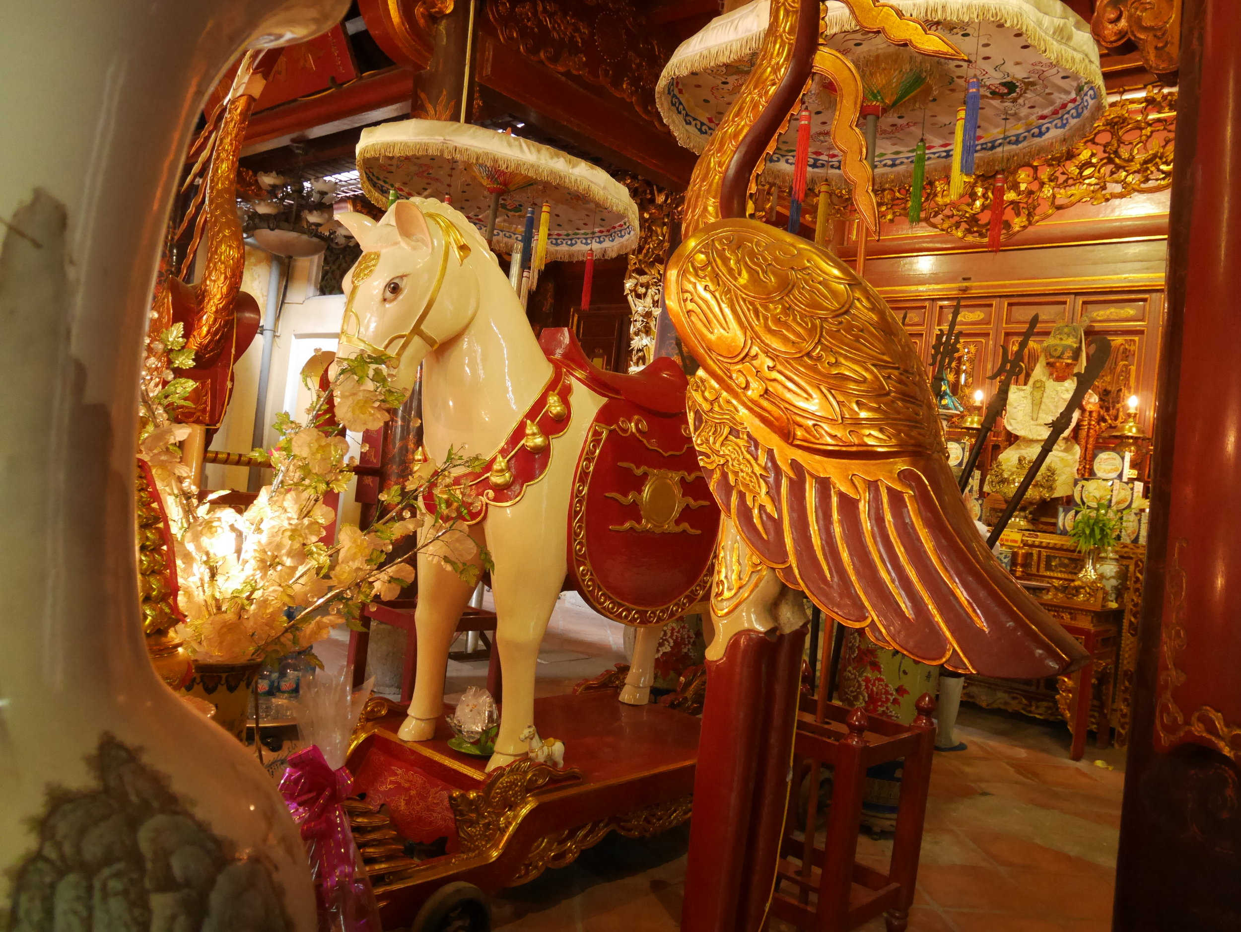 white horse at Bach Ma Temple