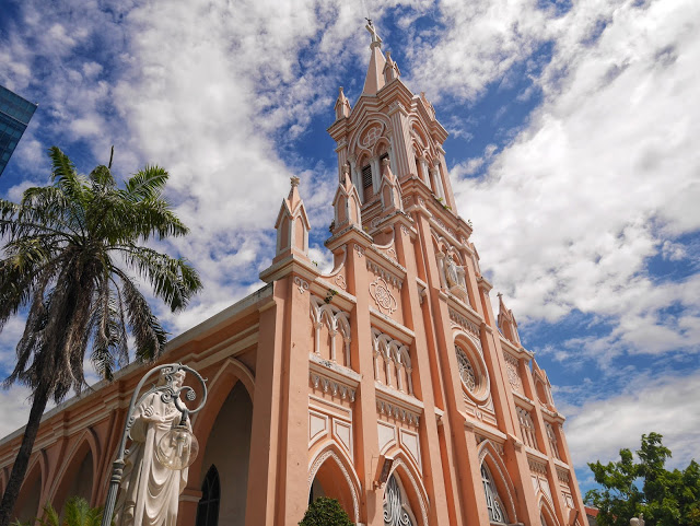 """Da Nang Cathedral - The """"Rooster Church"""""""