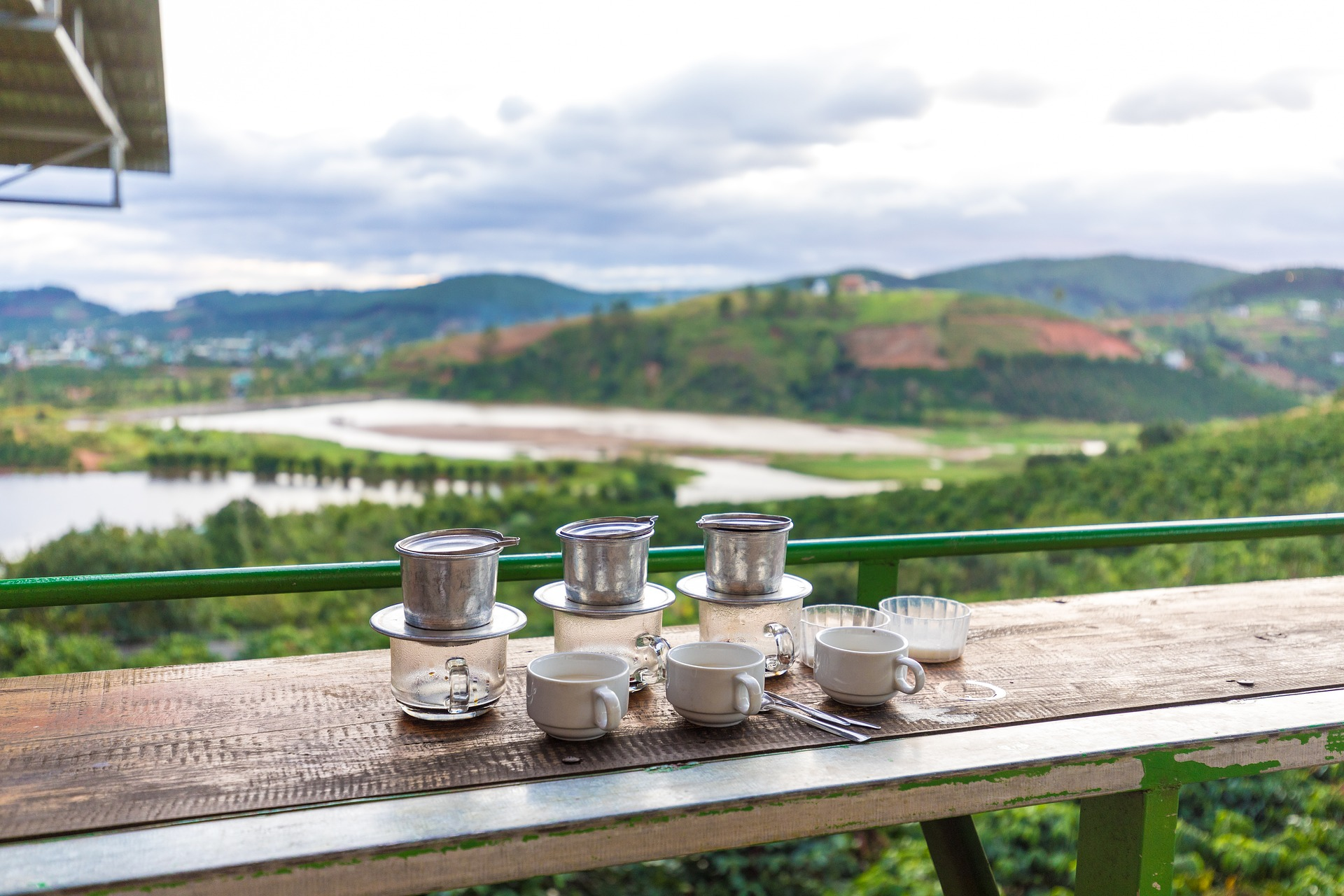 phin coffee with views of a coffee plantation via Pixabay
