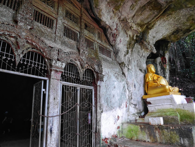 the upper cave temple at Pak Ou