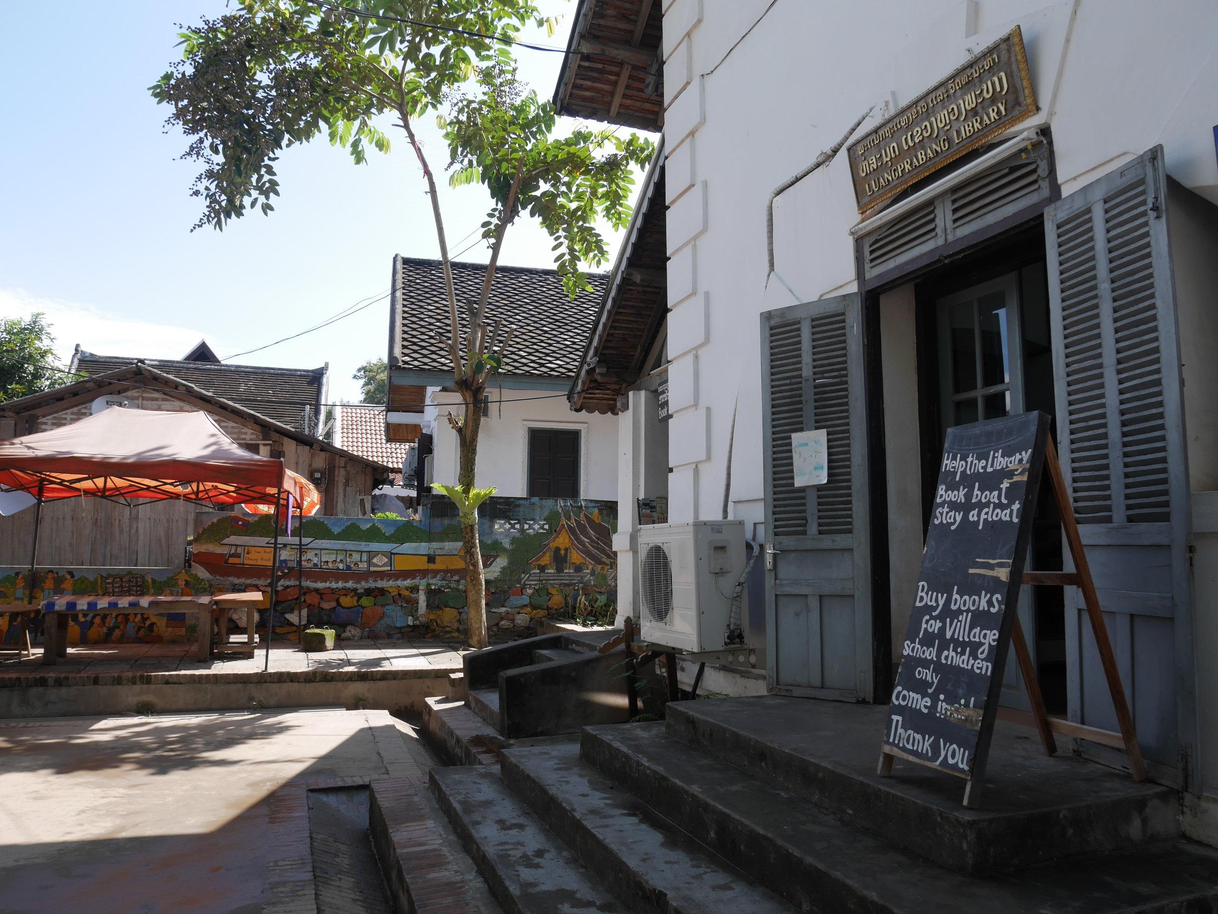 library in luang prabang