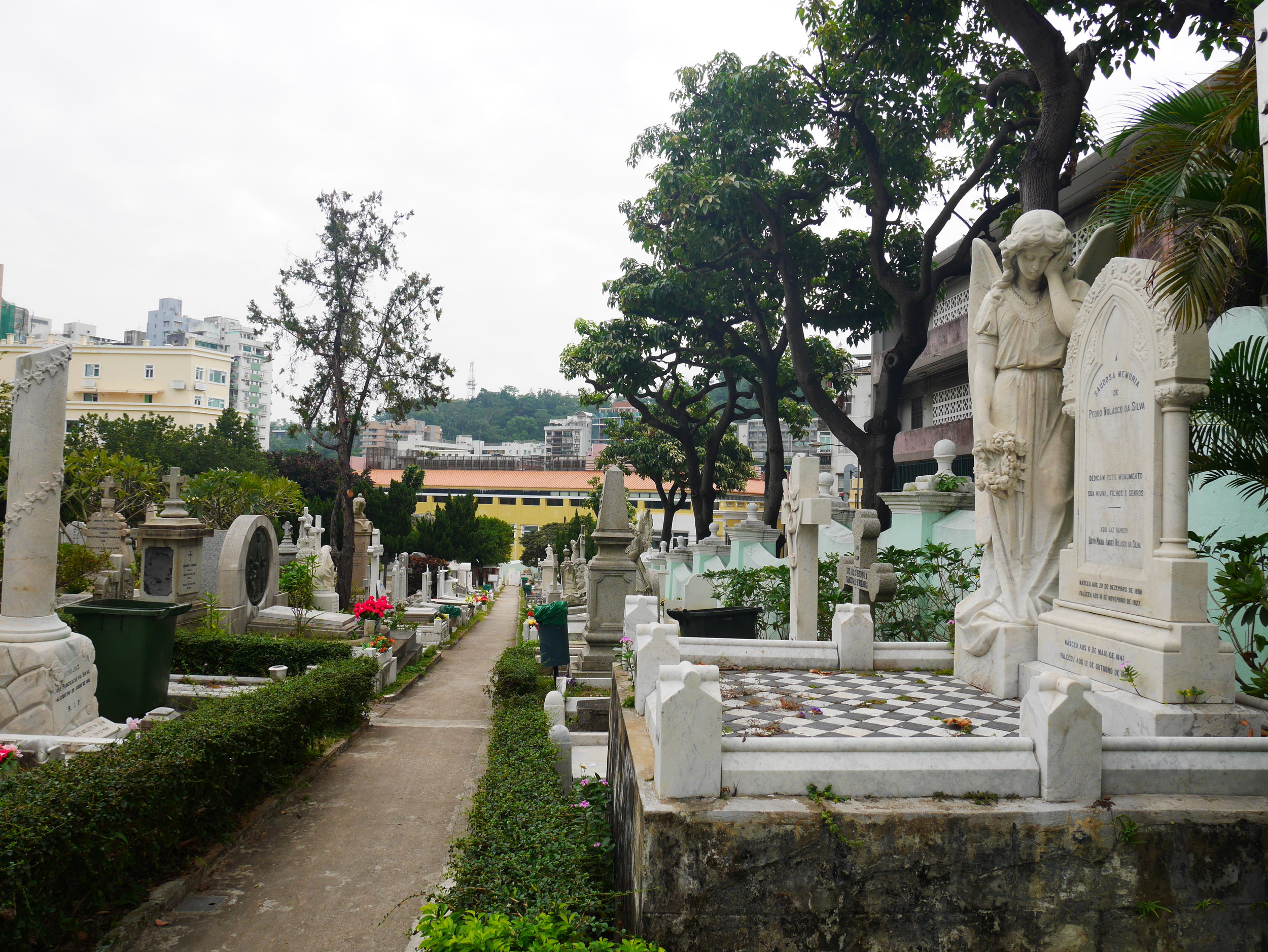 St.Michael Archangel Cemetery, Macao