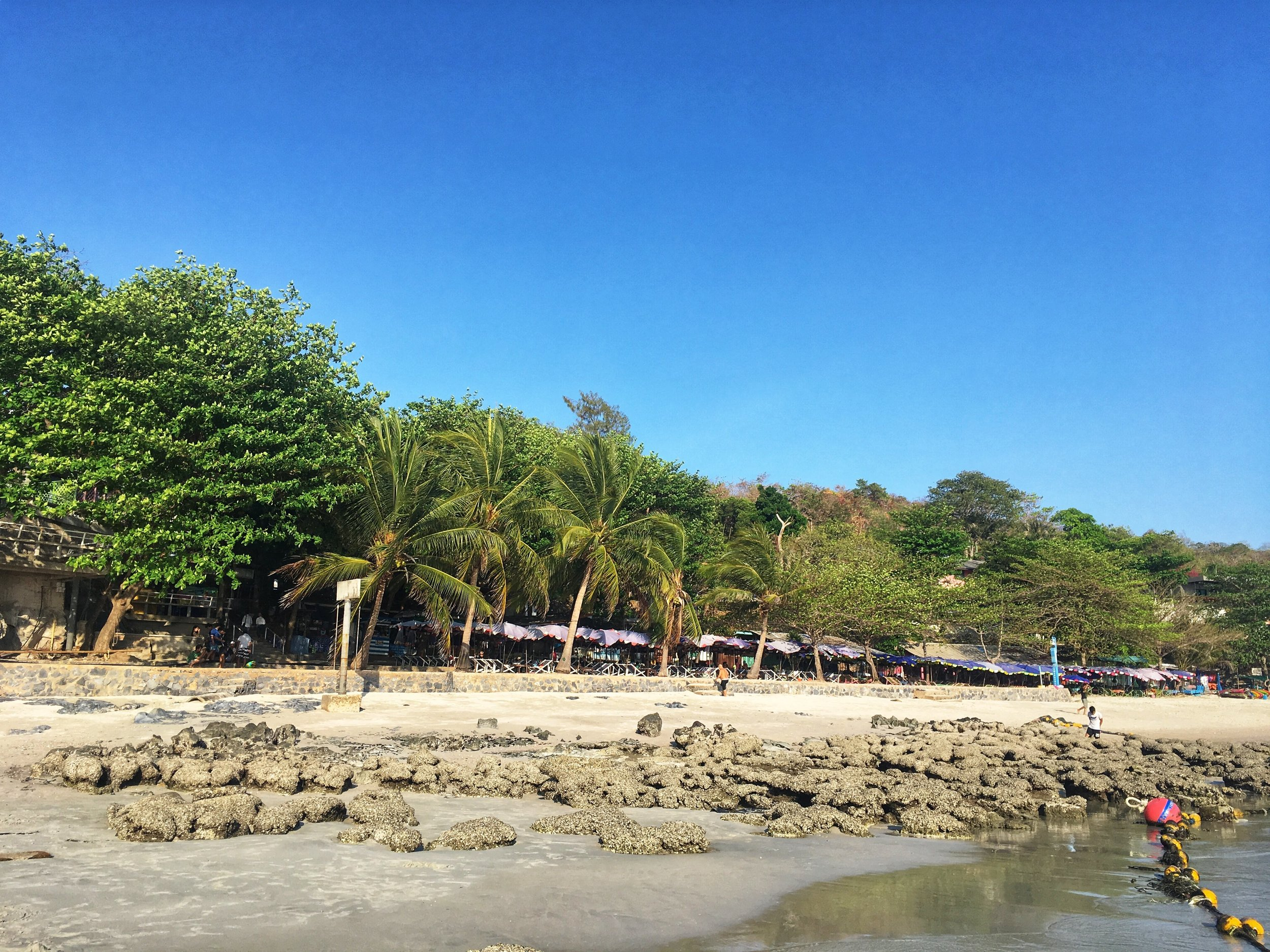 there are plenty of restaurants and shops on Tham Phang Beach