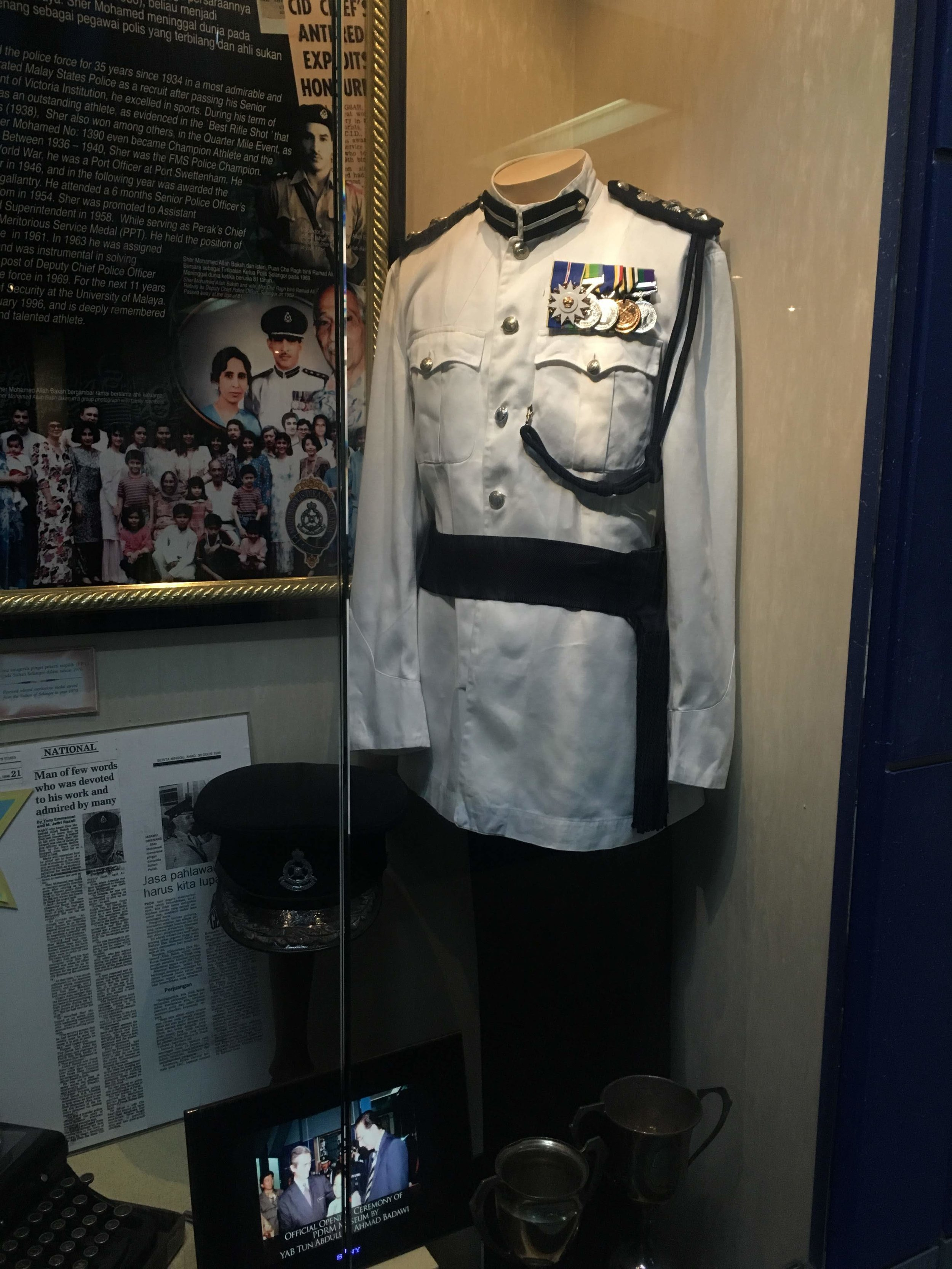 historical uniforms of the Malaysian Royal Police