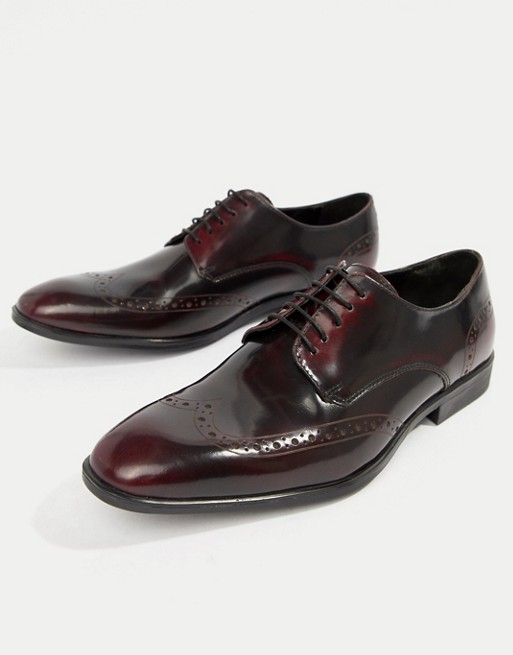 burgundy oxford shoe for navy suit