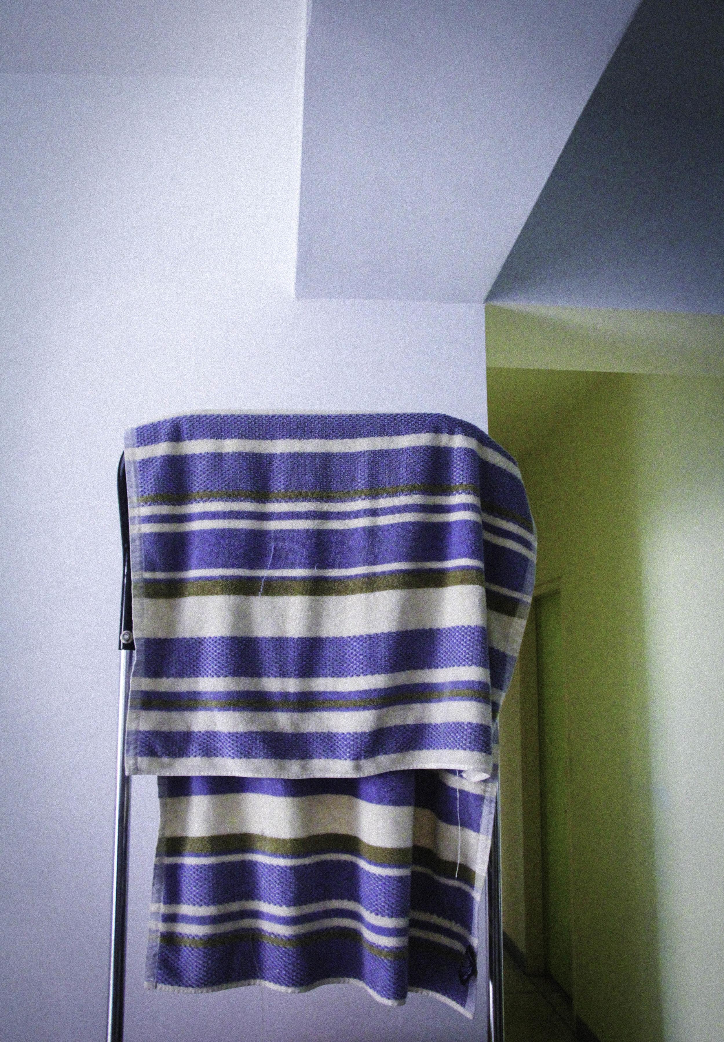 家中五個女人的浴巾