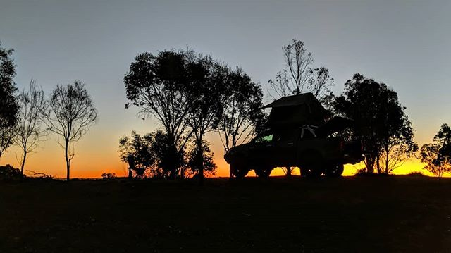 Gotta love a good #sunset #desert #outback #camping #hilux #lazyrhino #silhouette #southaustralia
