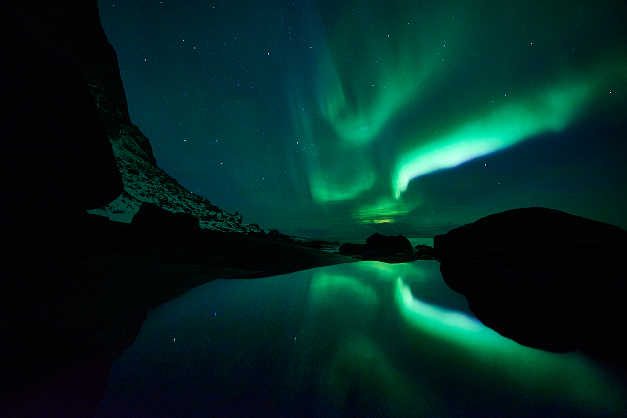 Northern Lights in Lofoten-Uttakleiv 2-©Bjørn Joachimsen.jpg