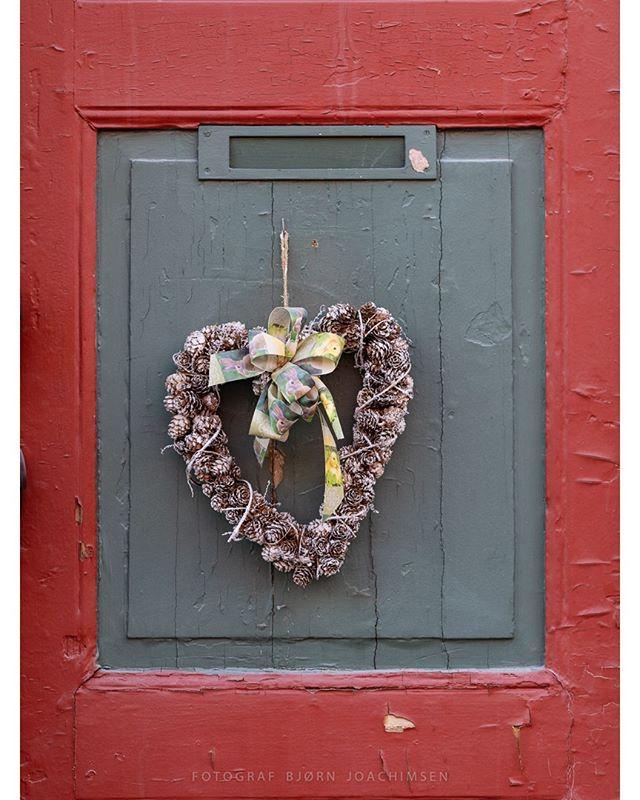 Røros, Norway. #røros #trøndelag #visitrøros #door #easter #heart