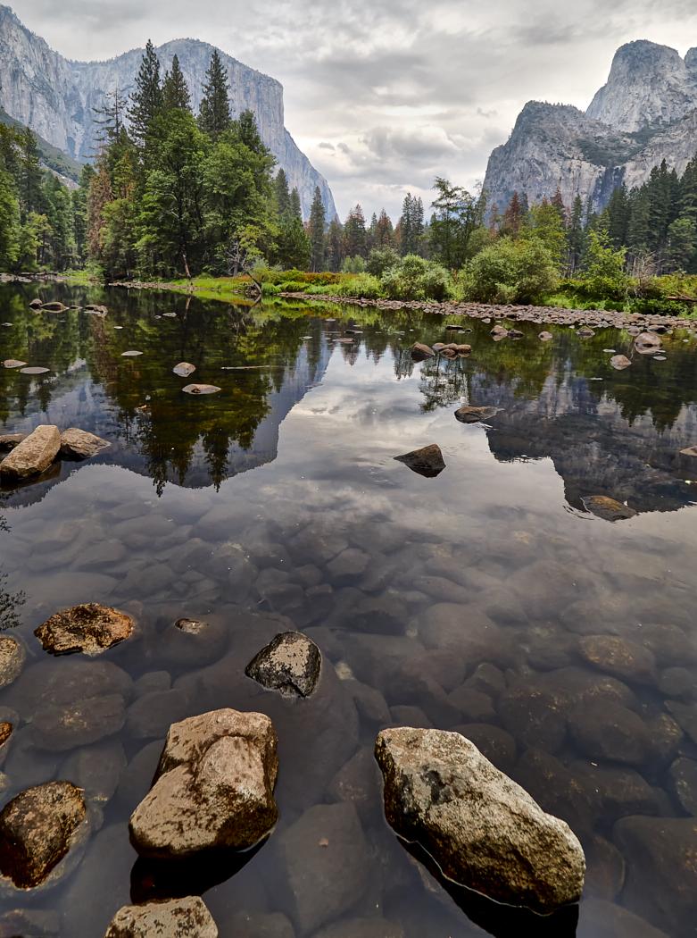 Merced River Yosemite Valley.jpg