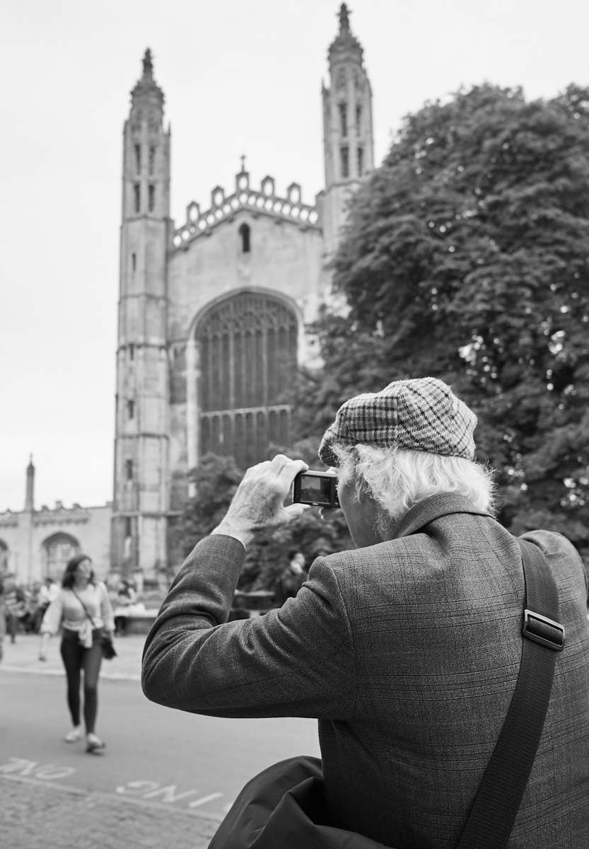 Street photography senior-style1600x1200 sRGB.jpg