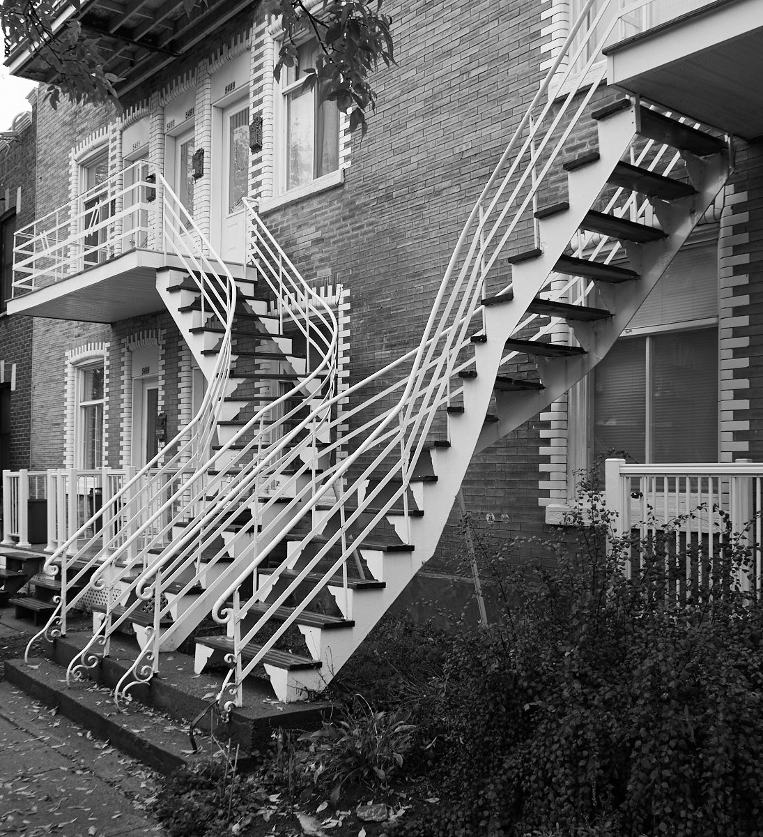 Montreal ironwork1600x1200 sRGB 6.jpg