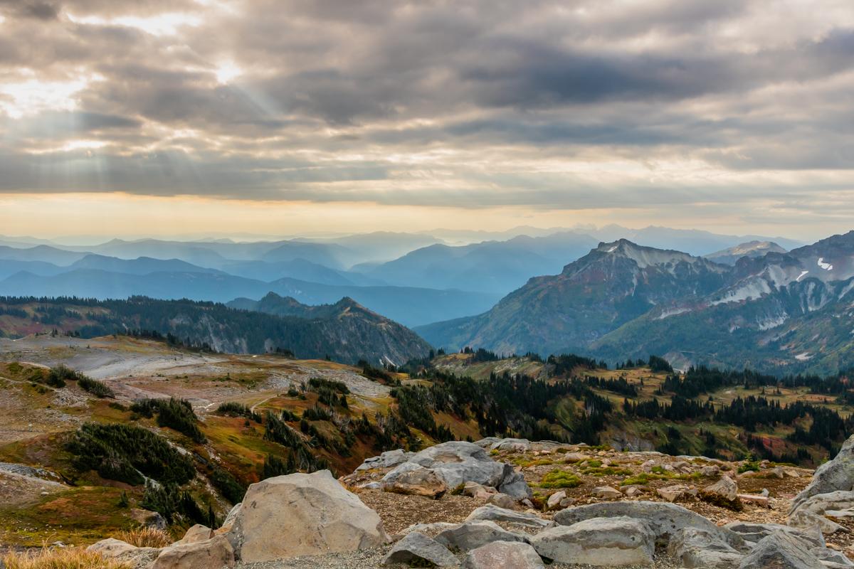 Mountain Ranges in Washington Below Mount Rainier