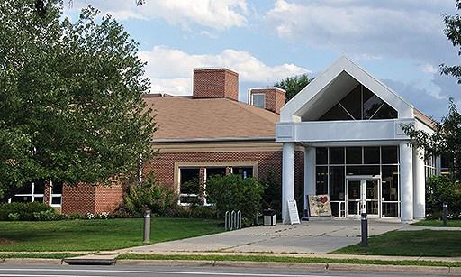 Sherwood Regional Library - 2501 Sherwood Hall Ln, Alexandria, VA 22306